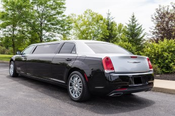 Chrysler 300 Executive Limousine Cincinnati