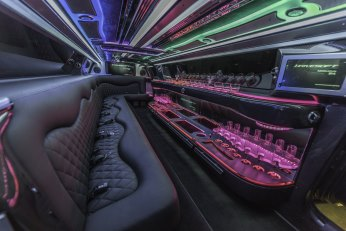 YV Limo - Chrysler 300 Silver Black Limo 180 Stretch Interior