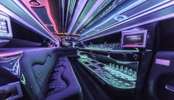 YC Limo - Chrysler 300 Interior
